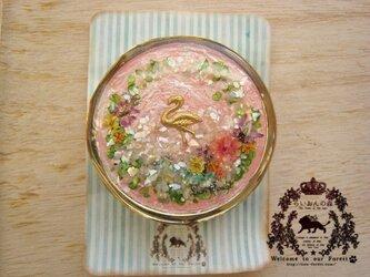 フラミンゴのピルケースの画像