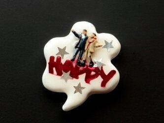 Happy people ピンブローチ #01の画像