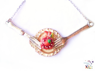 (S)Strawberry Cake Necklaceの画像
