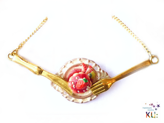 (G)Strawberry Cake Necklaceの画像