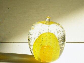 ガラスのリンゴ 「黄」の画像