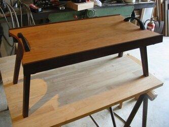 木製サイドテーブル-トレイの画像