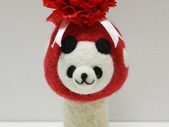 【母の日仕様♪】羊毛キノコパンダマスコット(赤・カーネーション)の画像