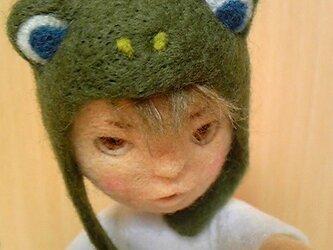 羊毛フェルト「カエル帽子の男の子」の画像