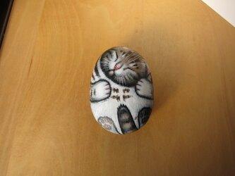 アメショーの石猫(爆睡)の画像