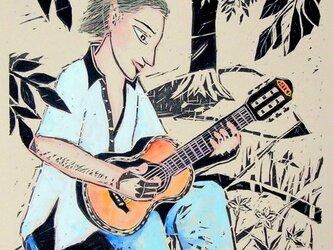 小さなギターの画像
