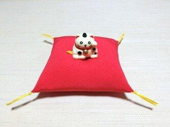 お人形置物用お座布団 正絹丹後ちりめん 赤10cm角の画像