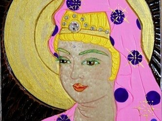 開運 癒彩 観世音    色の八十二    桃地に紫玉衣観音の画像