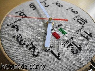 イタリア リネン 刺しゅう時計の画像