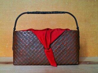 四つ目編み弁柄塗りバッグの画像