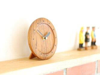 チークの置き時計の画像