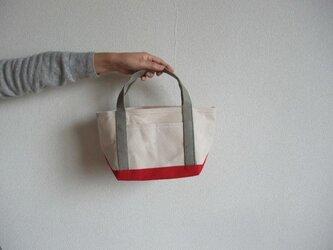 赤 smallサイズ パラフィントートバックの画像