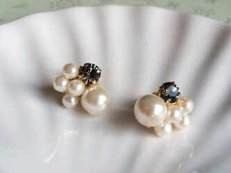 Refined pearl ピアス -black-の画像