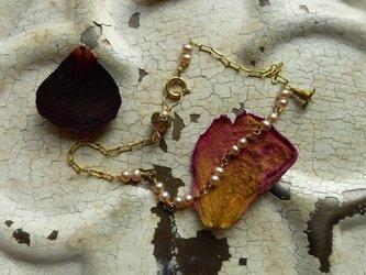ヴィンテージフラワーのブレスレットの画像