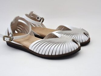 Tokuyama Shoes『ballet sandals』white leatherの画像