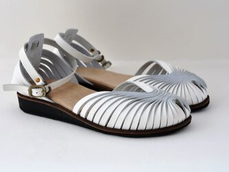 ballet sandalsの画像
