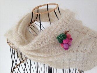 羊毛のブローチ*ぶどう(ピンク系)の画像