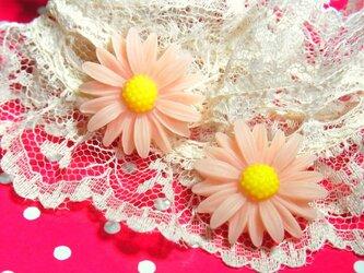 マーガレットピアスorイヤリング(Pink)の画像