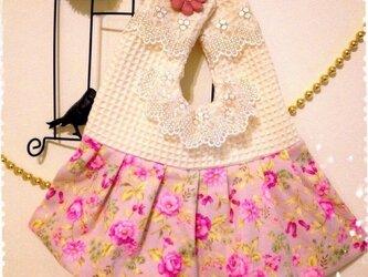 H.B様オーダー☆ラブリーお花柄のエプロン型スタイ☆の画像