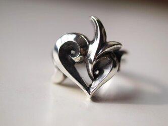 ハートのリングの画像