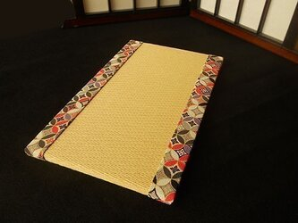 ちりめんミニ畳~カラフル七宝柄(黒)~黄金色の画像
