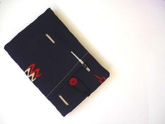 紺色シルクのiPad miniケースの画像