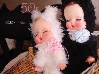 50sホイップお眠りベビー黒猫ちゃん人形*の画像
