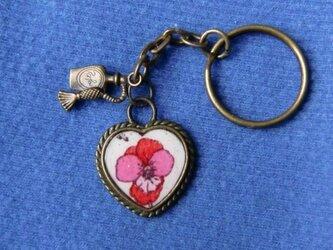 ★レジン キーホルダー ハート型枠に花柄(ピンク)★の画像
