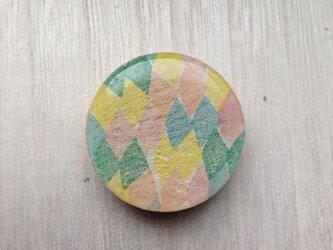 wood design brooch:iroiroの画像