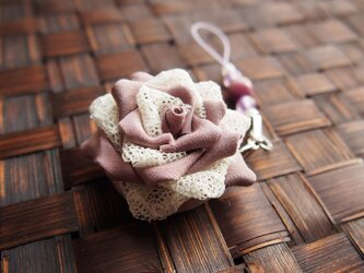 つまみ細工☆薔薇のストラップ紫系の画像