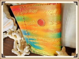 七色の夕陽のレザーカードケース。の画像