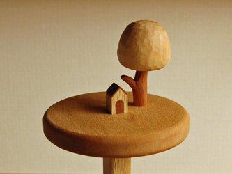 小さな犬小屋のキッチンペーパーホルダーの画像