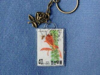 ★レジン キーホルダー 韓国切手 花★の画像