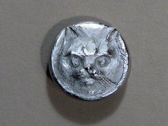 ネコのボタン(大)の画像