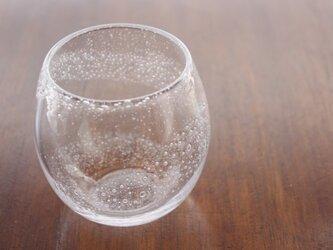 小さな泡のグラス 渦 大きめの画像