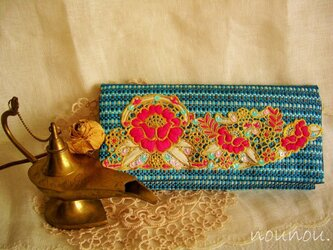 embroidery clutch bagの画像