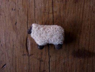 羊ブローチ白巻毛 *受注製作*の画像