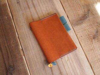 オイルドレザーの手帳カバー(ほぼ日文庫サイズ)コニャックの画像