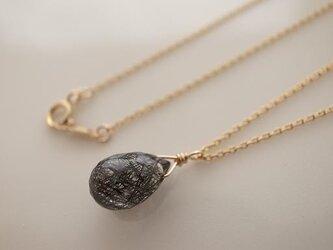 ブラックルチルクォーツの一粒ネックレスの画像