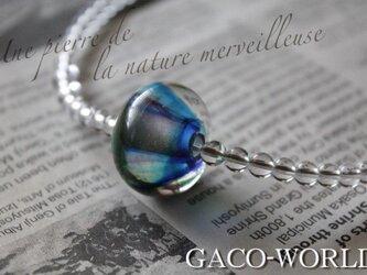 蜻蛉玉と水晶のネックレスの画像