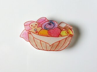 《 バスケット 》~お菓子~ のブローチの画像