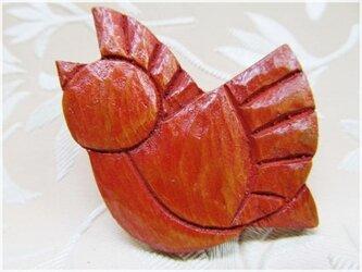赤い小鳥(木彫ブローチ)・IBー18の画像