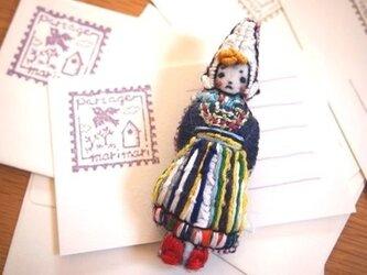 Lotte(ロッタ)刺繍ブローチの画像