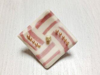 ピンク ストライプ ブローチ〈millefeuille〉の画像