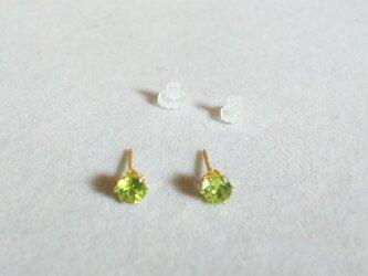 再販:宝石質ペリドットファセットピアス(4ミリ)の画像