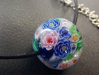 とんぼ玉のネックレスの画像