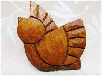 茶色の小鳥(木彫ブローチ)・IBー20の画像