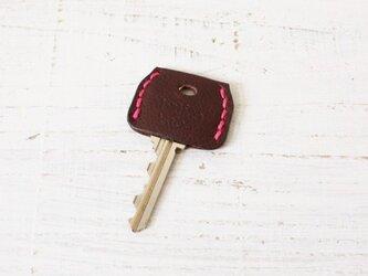 無機質な鍵をガーリーに★革のキーカバー(チョコ)の画像