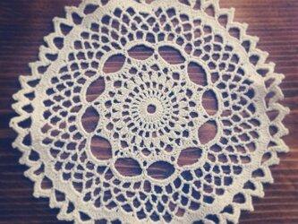 レース編みのドイリー No.001 生成り 約14.5cmの画像