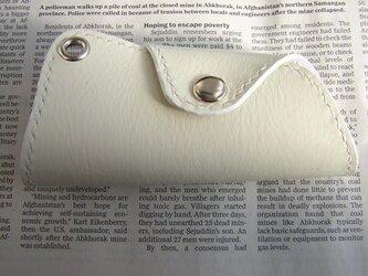 レザーキーケースホワイトの画像
